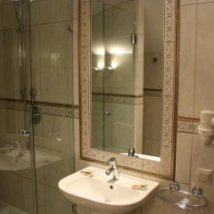 Гостиница Юджин 3* Улучшенный номер с различными типами кроватей фото 9