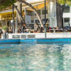 Отель Hostal Alcina бассейн