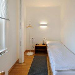 Hotel National Bern 2* Стандартный номер с различными типами кроватей (общая ванная комната)