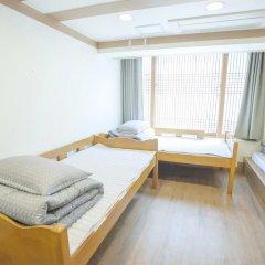 Отель Hi Jun Guesthouse Hongdae 2* Номер Делюкс с различными типами кроватей