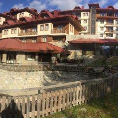 Отель Perelik Palace Болгария, Чепеларе - отзывы, цены и фото номеров - забронировать отель Perelik Palace онлайн приотельная территория