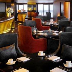 Отель Tower Club at lebua 5* Стандартный номер с различными типами кроватей фото 8