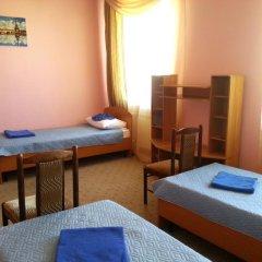 Гостиница Север Кровать в общем номере с двухъярусной кроватью