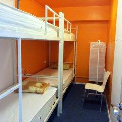 Garage Hostel Кровать в мужском общем номере с двухъярусной кроватью фото 10