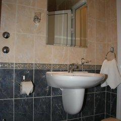 Отель Efos Bungalows Болгария, Св. Константин и Елена - отзывы, цены и фото номеров - забронировать отель Efos Bungalows онлайн ванная фото 2