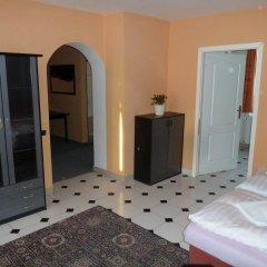 Отель Penzion Holiday 3* Апартаменты с различными типами кроватей фото 12