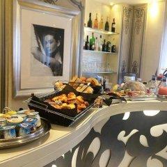 Отель Renoir Hotel Франция, Канны - отзывы, цены и фото номеров - забронировать отель Renoir Hotel онлайн питание фото 2