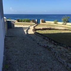 Отель Blue Sky Villa пляж