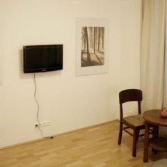 Отель Koro de Varsovio- Solidarnosci 101 комната для гостей фото 4