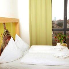 H+ Hotel 4 Youth Berlin Mitte 2* Стандартный номер с двуспальной кроватью фото 11