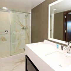 Отель Beverly Hills Marriott ванная фото 2