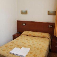 Отель Hostal Jerez Стандартный номер с различными типами кроватей фото 8