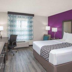 Отель La Quinta Inn & Suites Effingham 2* Стандартный номер с различными типами кроватей