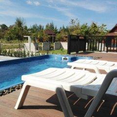 Отель The Hip Resort @ Khao Lak бассейн