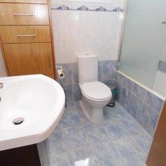 Отель Maouris Villa Кипр, Протарас - отзывы, цены и фото номеров - забронировать отель Maouris Villa онлайн ванная