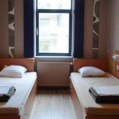 Sleep Well Youth Hostel Стандартный номер с 2 отдельными кроватями фото 3