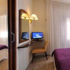 Hotel Avenida 2* Стандартный семейный номер разные типы кроватей фото 9