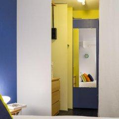 Отель Bastille Family - AC - Wifi Франция, Париж - отзывы, цены и фото номеров - забронировать отель Bastille Family - AC - Wifi онлайн удобства в номере фото 2