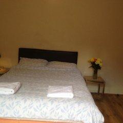 The Crystal Lodge Hotel 2* Стандартный номер с 2 отдельными кроватями (общая ванная комната)