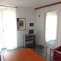 Отель Bilocale Zenobia Италия, Вербания - отзывы, цены и фото номеров - забронировать отель Bilocale Zenobia онлайн комната для гостей фото 3