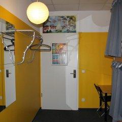 Отель St Christophers Inn Berlin Кровать в общем номере с двухъярусной кроватью фото 7
