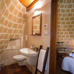 Отель Grandi Trulli Bed & Breakfast Альберобелло ванная фото 2