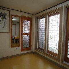 Отель Yeonwoo Guesthouse комната для гостей
