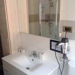 Отель European Rooms 3* Кровать в общем номере фото 11