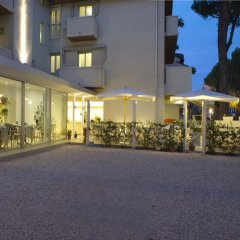 Отель Nives Италия, Риччоне - отзывы, цены и фото номеров - забронировать отель Nives онлайн парковка
