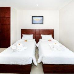 Отель The Topaz Residence 3* Улучшенный номер с 2 отдельными кроватями фото 3