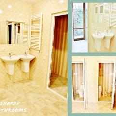 Отель Red Fox Guesthouse Стандартный номер с двуспальной кроватью (общая ванная комната) фото 5