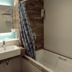 VIP Hotel 2* Улучшенный номер с двуспальной кроватью фото 7