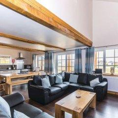 Отель Rudyard Lake Lodges гостиничный бар