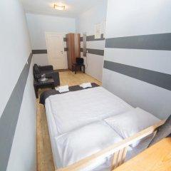 Мини-Отель Компас Стандартный номер с двуспальной кроватью (общая ванная комната) фото 10