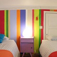 Отель Chill in Ericeira Surf House Кровать в общем номере с двухъярусной кроватью фото 5