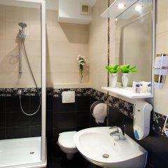 Гостиница Вилла Онейро 3* Номер с общей ванной комнатой с различными типами кроватей (общая ванная комната) фото 8