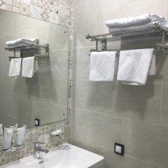 Гостиница Postoyaliy Dvor Inn в Уссурийске отзывы, цены и фото номеров - забронировать гостиницу Postoyaliy Dvor Inn онлайн Уссурийск ванная фото 2
