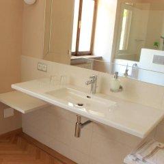 Отель Schloss Englar Аппиано-сулла-Страда-дель-Вино ванная