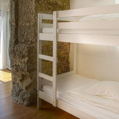 Oporto City Hostel Кровать в общем номере двухъярусные кровати