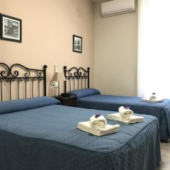 Отель Hostal El Pilar Стандартный номер с двуспальной кроватью фото 30