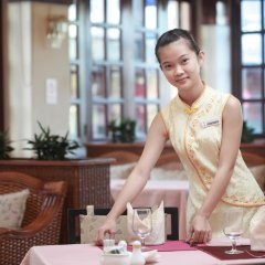 Sanya Golden Phoenix Sea View Hotel гостиничный бар
