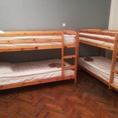 Отель The Penny Outpost Кровать в общем номере с двухъярусными кроватями фото 6