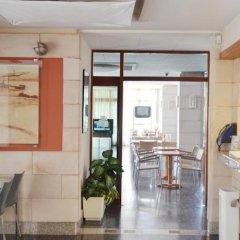 Отель azuLine Hotel S'Anfora & Fleming Испания, Сан-Антони-де-Портмань - отзывы, цены и фото номеров - забронировать отель azuLine Hotel S'Anfora & Fleming онлайн в номере