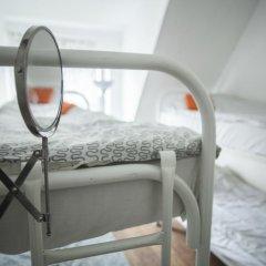 Hostel Petya and the Wolf V.O. Кровать в женском общем номере фото 4