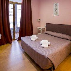 Отель Hostal Balmes Centro Стандартный номер с двуспальной кроватью (общая ванная комната) фото 4