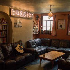 Отель Baggies Backpackers Великобритания, Брайтон - отзывы, цены и фото номеров - забронировать отель Baggies Backpackers онлайн развлечения