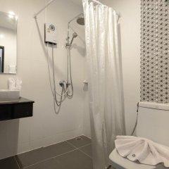 M.U.DEN Patong Phuket Hotel 3* Улучшенный номер двуспальная кровать фото 3