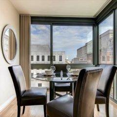 Отель Bridgestreet at Newseum Residences 3* Апартаменты с различными типами кроватей фото 13