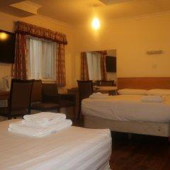 Отель Barry House 3* Стандартный семейный номер с различными типами кроватей фото 8