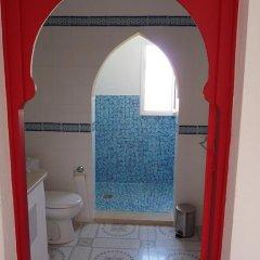 Отель Amphora Menzel Тунис, Мидун - отзывы, цены и фото номеров - забронировать отель Amphora Menzel онлайн ванная